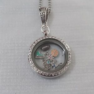 """""""Sports Mom"""" Floating Charms Locket Necklace"""